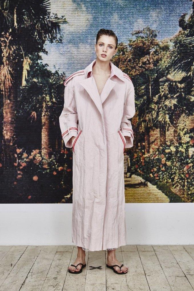 Пижамы, сетка и «Интурист» в новом лукбуке Walk of Shame. Изображение № 16.