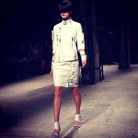 Главные показы  второго дня  Paris Fashion Week. Изображение № 9.