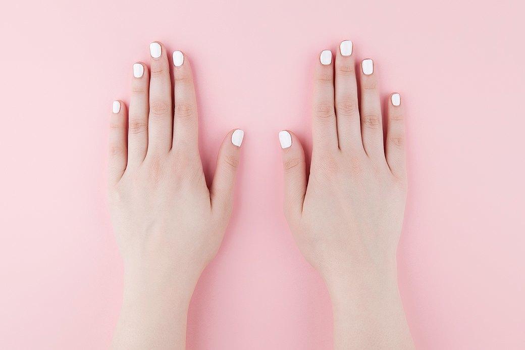 Покрыть ногти лаком в два слоя и дать высохнуть. . Изображение № 2.