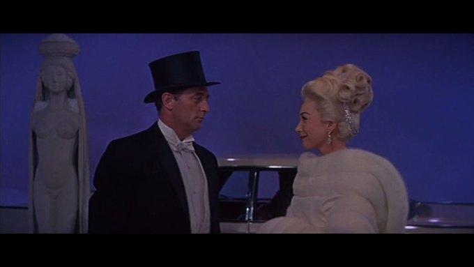 Что можно узнать о стиле  из комедии 60-х  «Что за путь!». Изображение № 10.