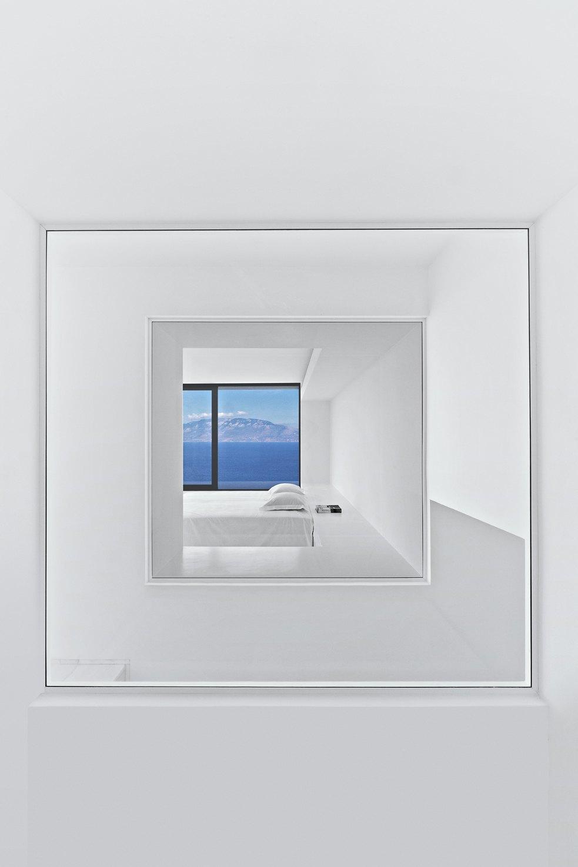 Вилла в Греции,  вдохновленная  Ивом Кляйном. Изображение № 4.