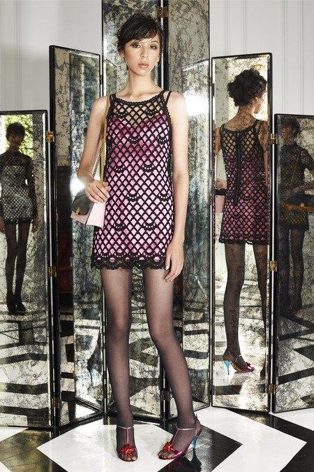 Две крайности: Как мода взяла курс на заурядность и вульгарность. Изображение № 10.