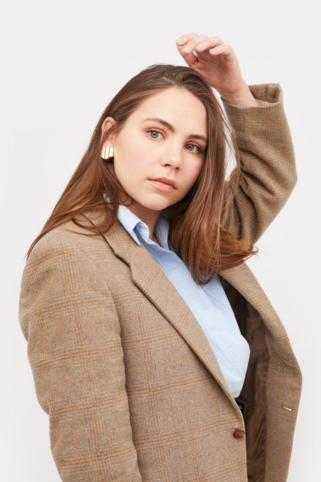 Основательница винтажного магазина More is More Аня Кольцова о любимых нарядах. Изображение № 9.