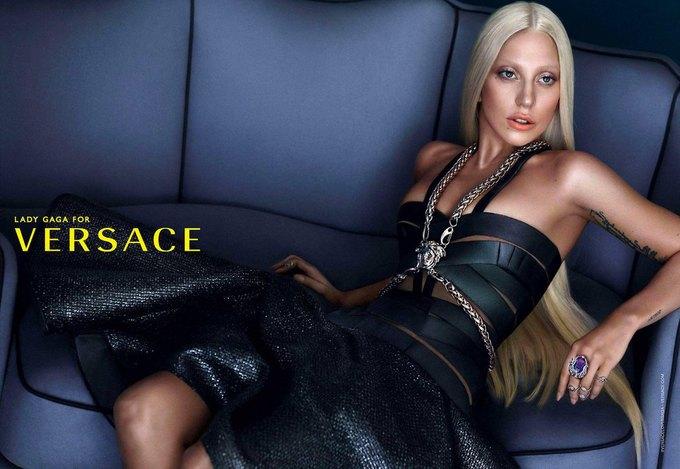 Кампания Versace с Леди Гагой до фотошопа. Изображение № 3.