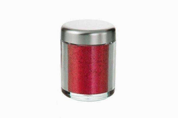 Красное всё: Тени, румяна, карандаши и пигменты для актуального макияжа. Изображение № 6.