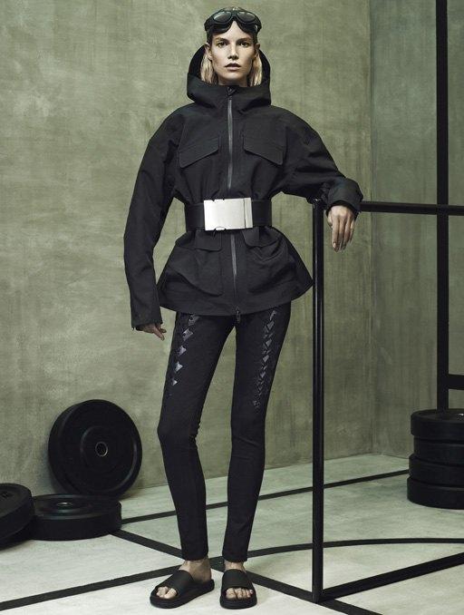 Торжество спорта  в лукбуке Alexander Wang x H&M. Изображение № 3.