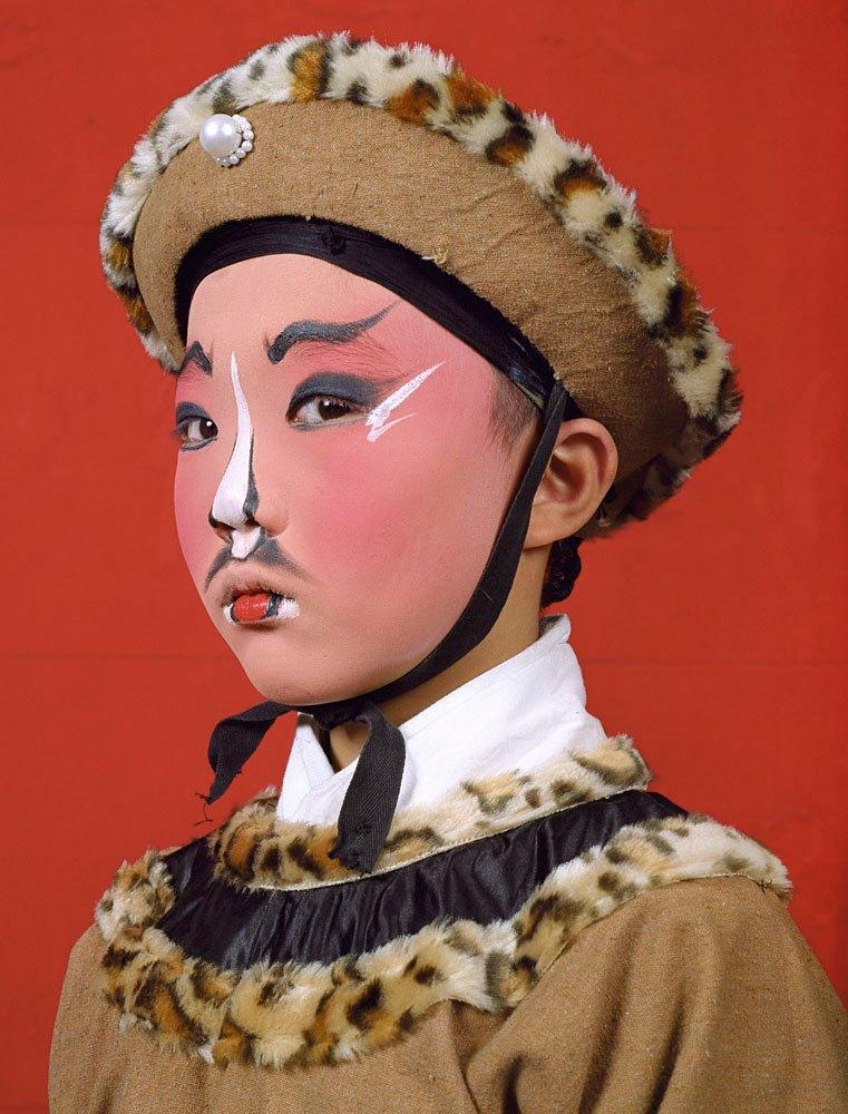 «Opera»: Студенты Пекинской оперы  в традиционных костюмах. Изображение № 11.
