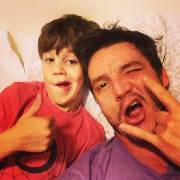 Педро Паскаль с племянником. Изображение № 5.