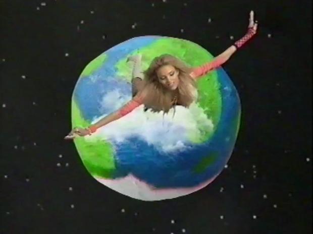 Аня Рубик в очень  странном клипе . Изображение № 21.