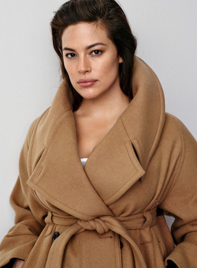 Плюс-сайз-модель Эшли Грэхэм стала лицом коллекции H&M Studio. Изображение № 3.