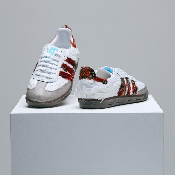 Марк Джейкобс и Белла Фрейд сделали «радужные» кроссовки для adidas. Изображение № 6.