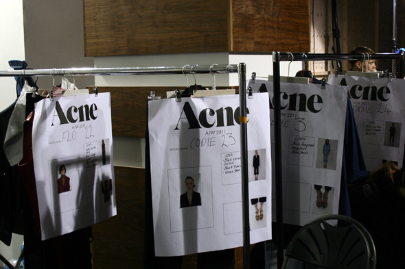London Fashion Week: бэкстейдж показа Acne. Изображение № 19.