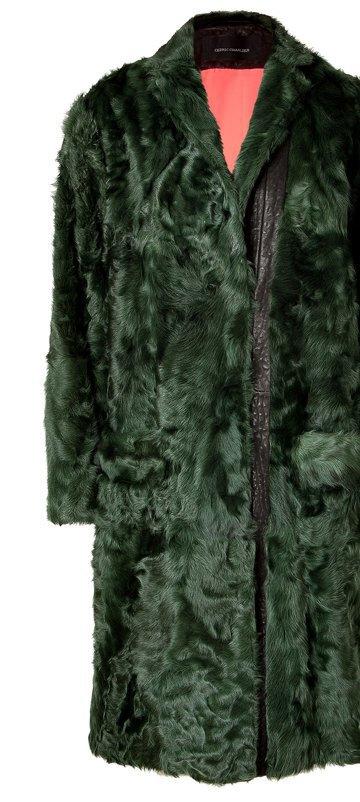Вещи из цветного меха  в осенне-зимних  коллекциях. Изображение № 21.