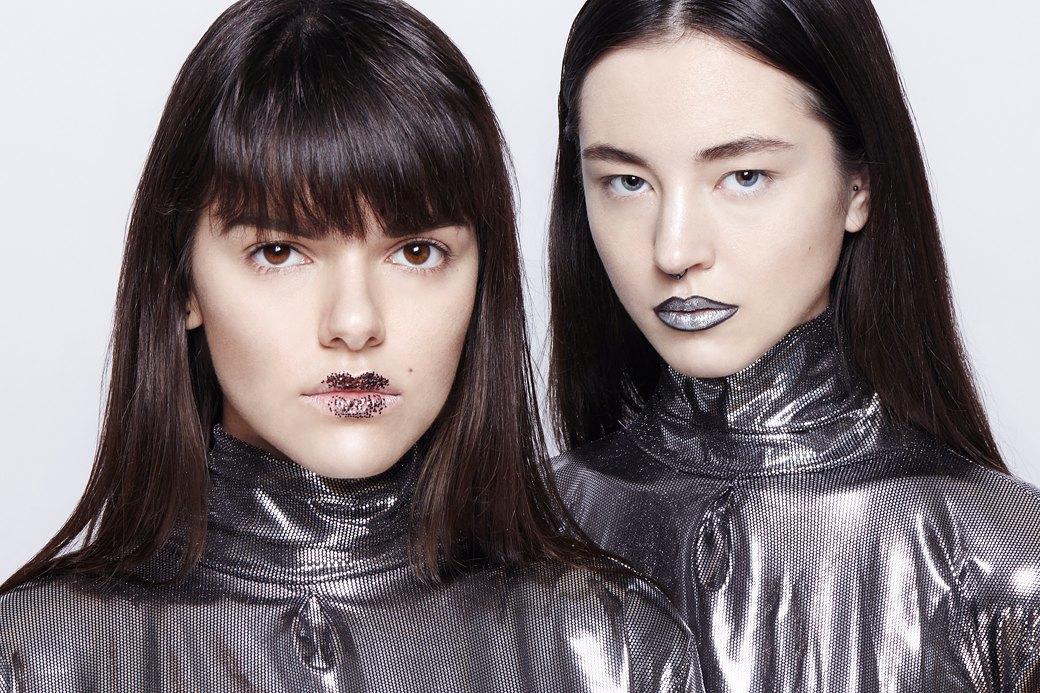 10 вариантов макияжа с блестками. Изображение № 4.