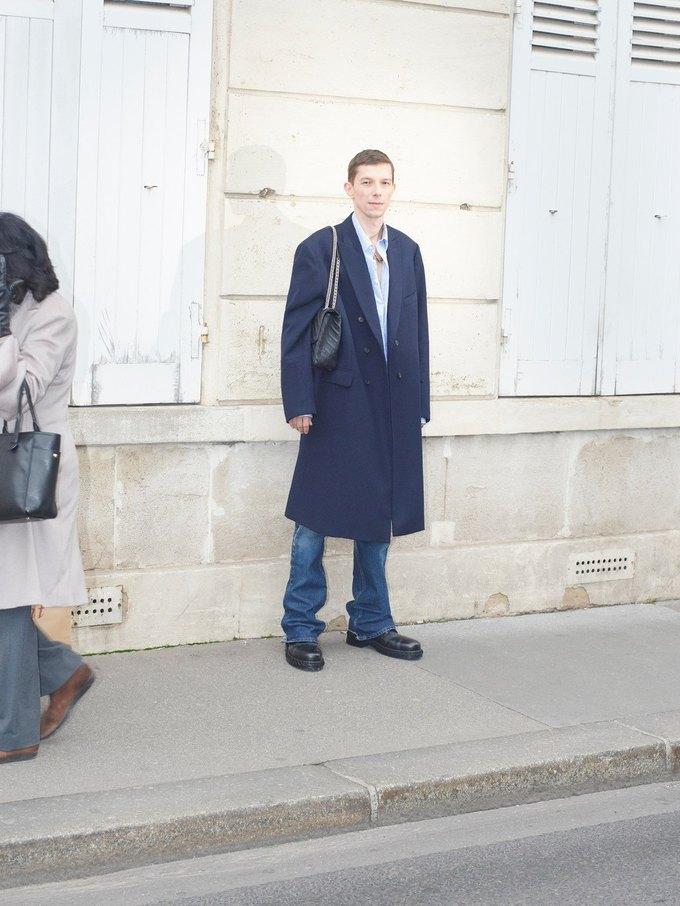 В новом лукбуке Balenciaga снялись обычные парижане. Изображение № 41.