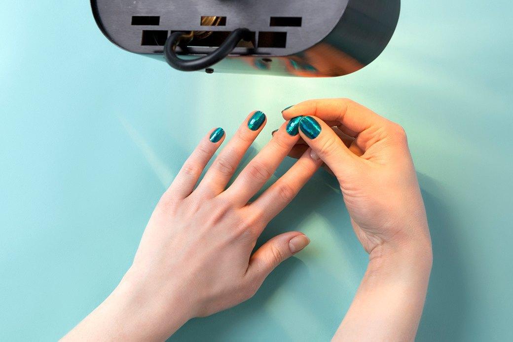 При необходимости можно разгладить Minx еще и пальцами. Изображение № 5.