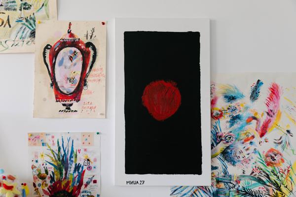 Художница Лиза Смирнова у себя в мастерской. Изображение № 15.