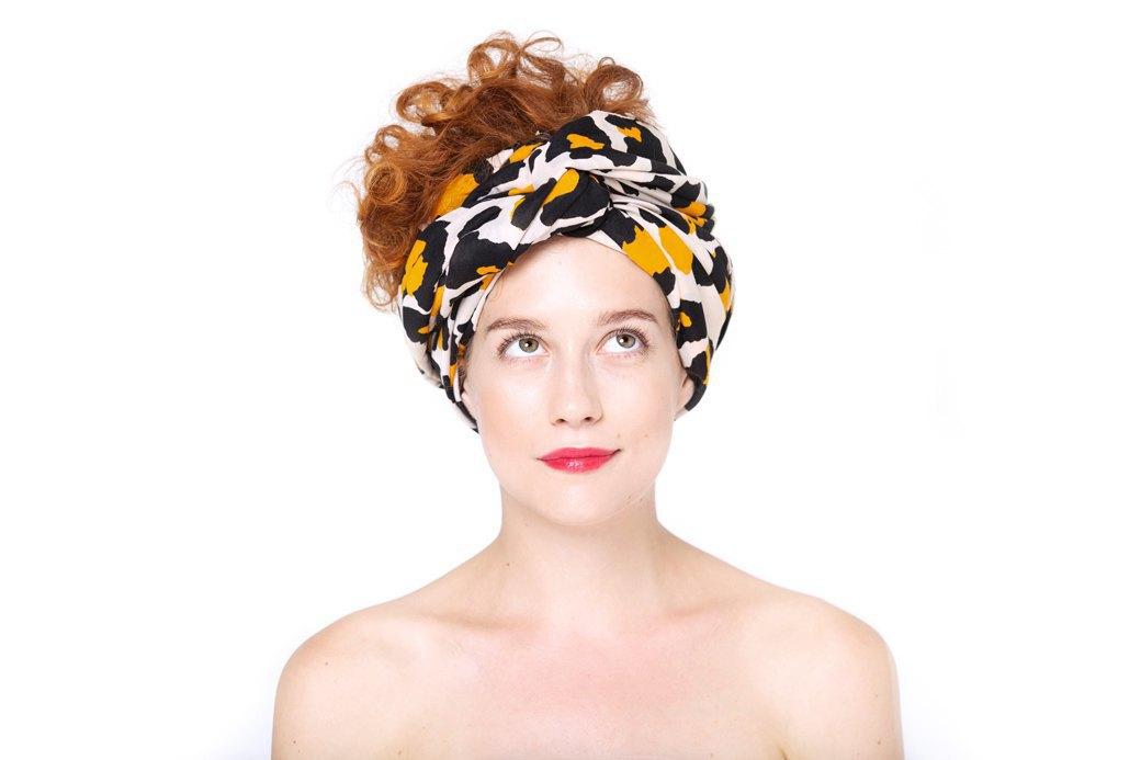 7 способов повязать платок  на голову. Изображение № 9.