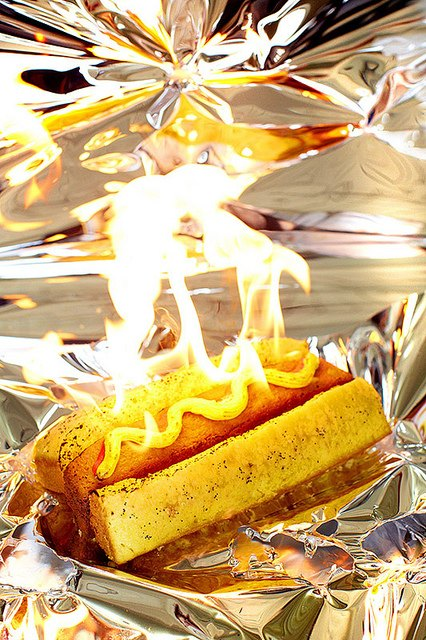 Фотограф изобразил процесс сжигания калорий буквально. Изображение № 5.