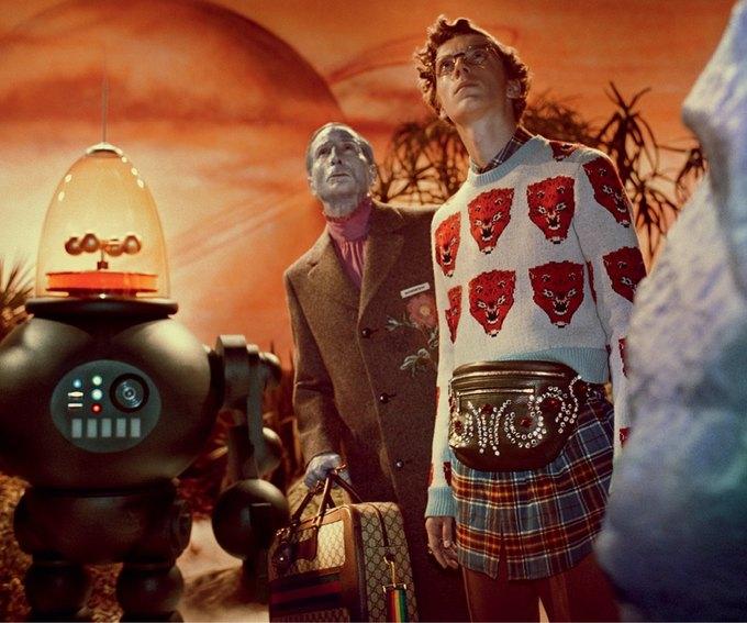 В новой кампании Gucci снялись пришельцы  и динозавры. Изображение № 16.