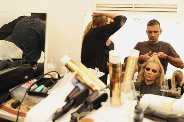 Gucci SS 2012: Репортаж с бэкстейджа. Изображение № 36.