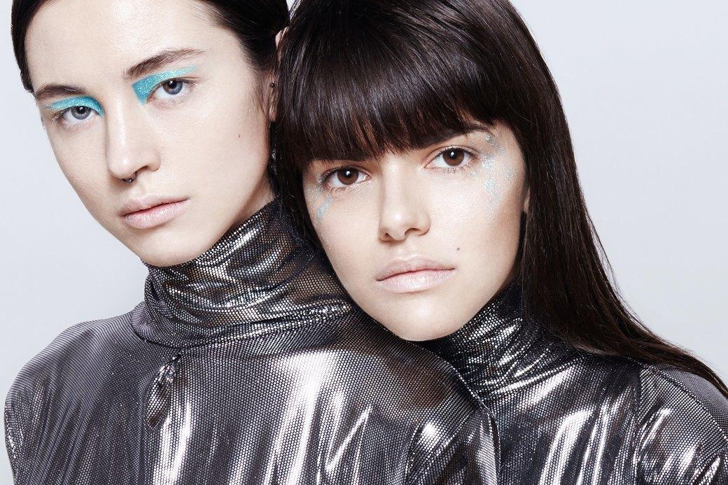 10 вариантов макияжа с блестками. Изображение № 1.
