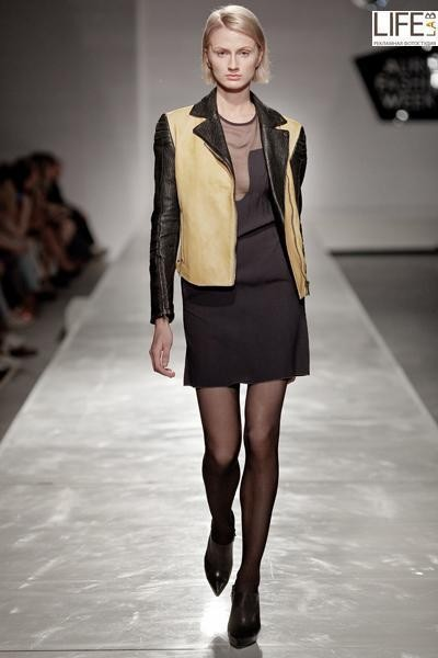 Aurora Fashion Week 2011: итальянский десант. Изображение № 11.
