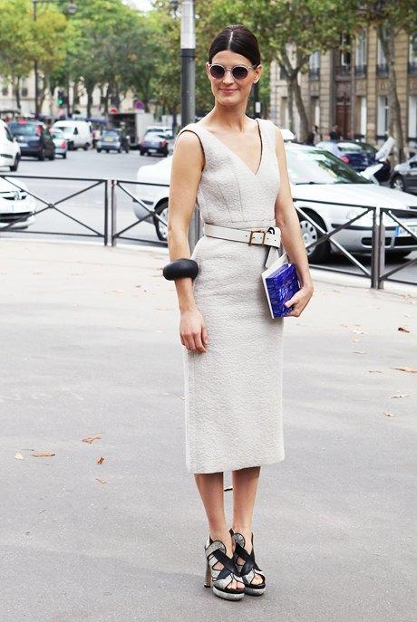 Ханнели Мустапарта настолько красивая, что ей достаточно простого серого платья и пары украшений, чтобы попасть в блоги. Изображение № 19.