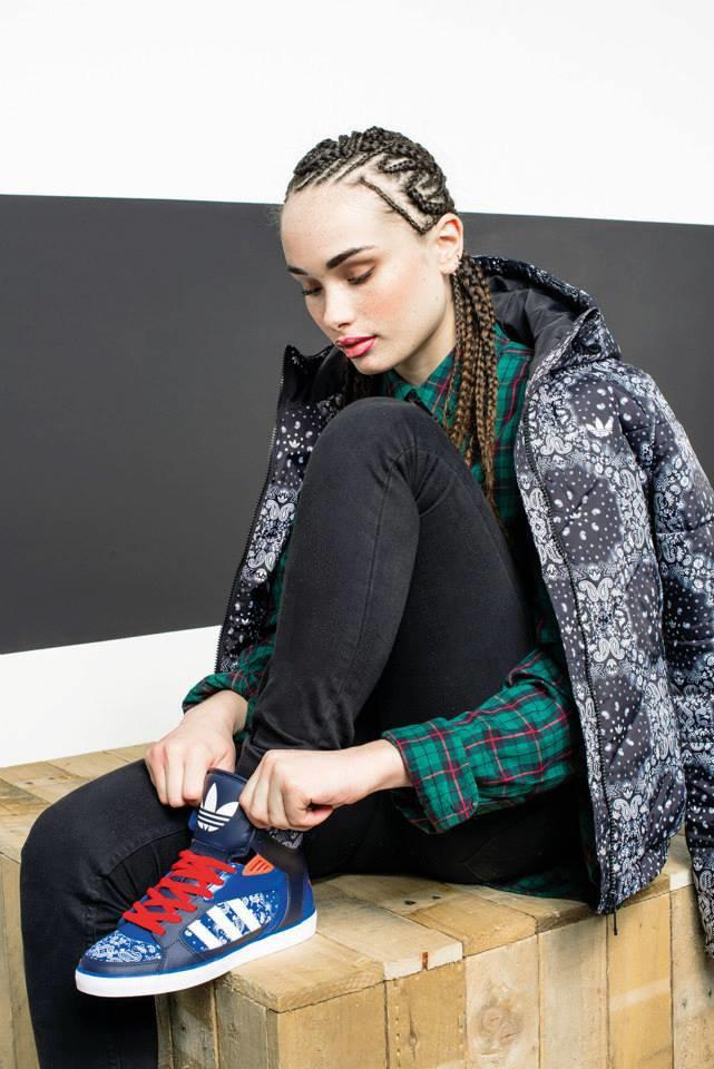 Новый лукбук Adidas Originals — в стиле вогинг. Изображение № 18.