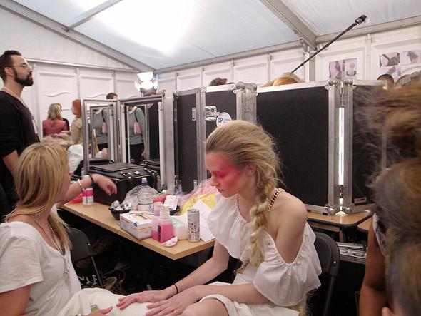 London Fashion Week: Репортаж с бэкстейджей House of Holland и Vivienne Westwood. Изображение № 28.