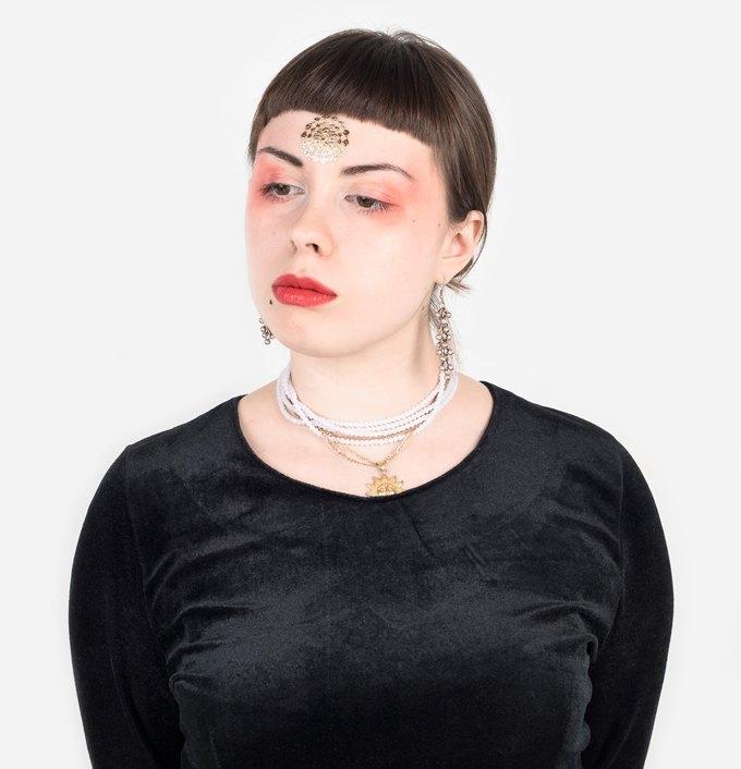 Музыкант и художница Дженни Малкович о театральности и любимой косметике. Изображение № 1.