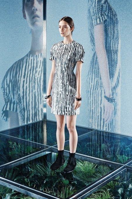 Крупная вязка и монохром в новой коллекции Balenciaga. Изображение № 7.