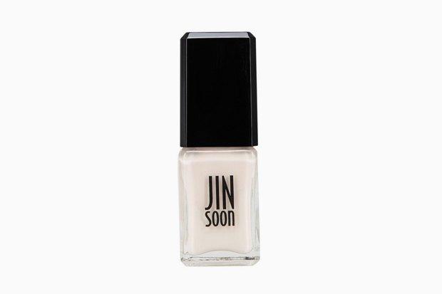 Пыльная чистота: Самые красивые пастельные лаки для ногтей. Изображение № 2.