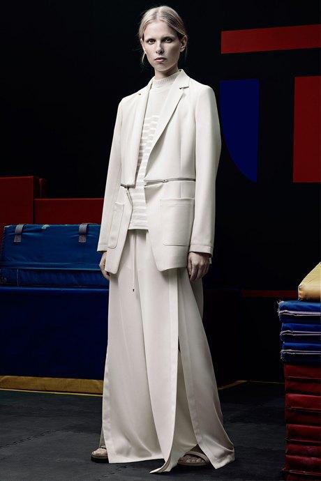 Гиперсайз: Мода для тех, кому не важен размер одежды. Изображение № 3.