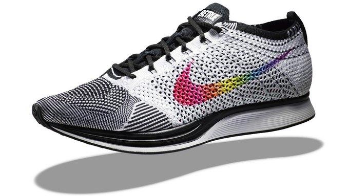Nike и Converse представили коллекции  в поддержку ЛГБТ. Изображение № 12.