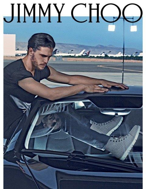 Полез на рожон: Кит Харингтон снялся в новой рекламе Jimmy Choo. Изображение № 3.