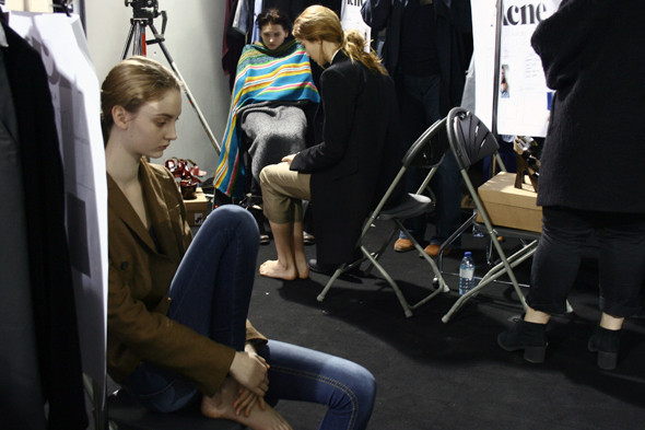 London Fashion Week: бэкстейдж показа Acne. Изображение № 6.