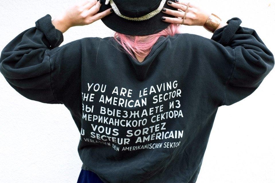 Роуз Бродбент, художница и владелец винтажного бутика из Торонто. Изображение № 10.