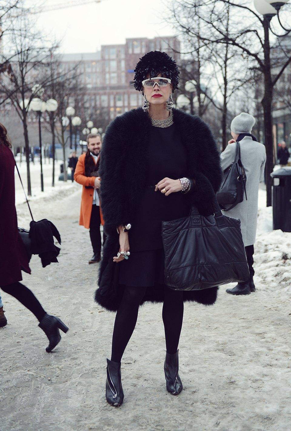 Шубы и горох на Stockholm Fashion Week. Изображение № 23.