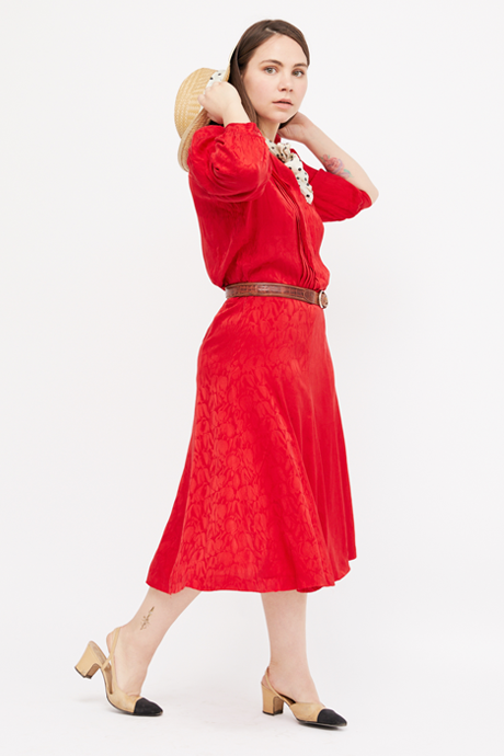 Основательница винтажного магазина More is More Аня Кольцова о любимых нарядах. Изображение № 20.
