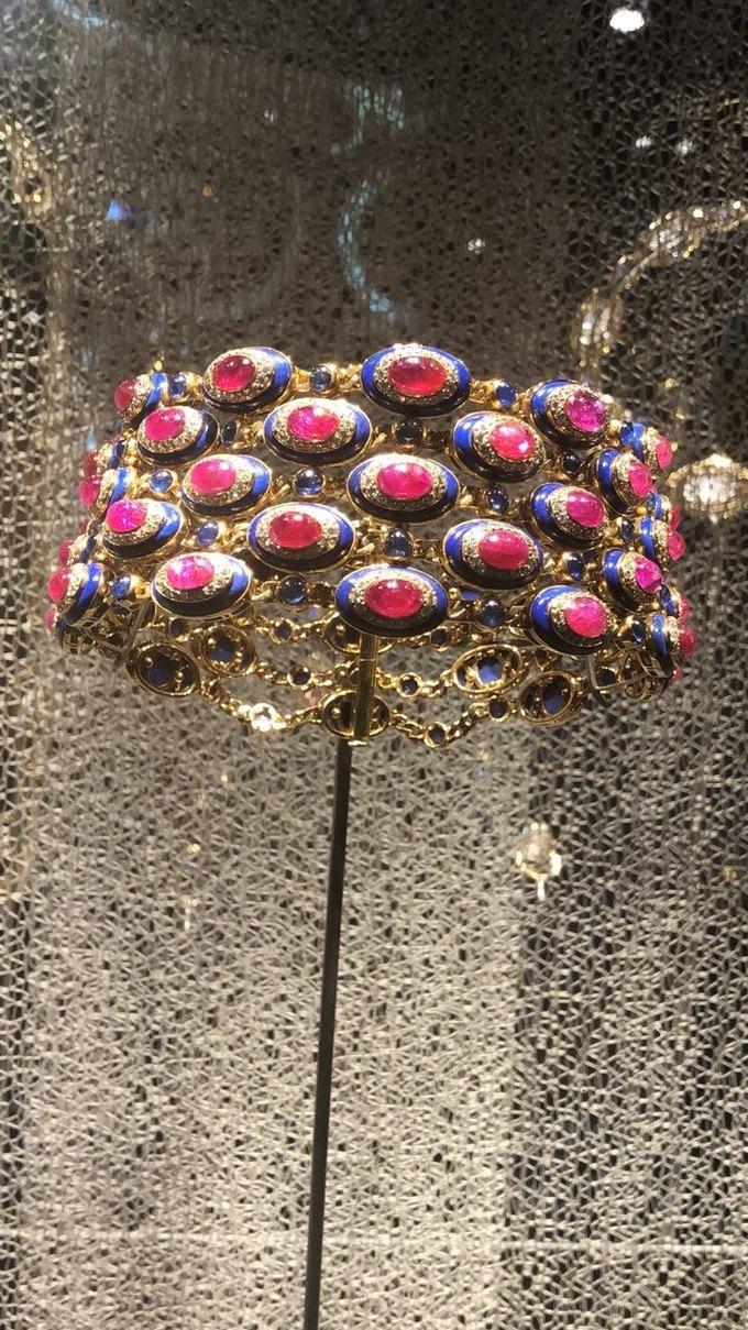 В Кремле выставили украшения Элизабет Тейлор и Анны Маньяни. Изображение № 8.
