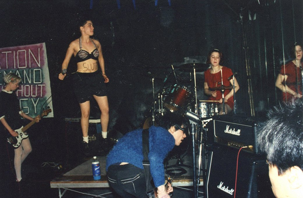 Sleater-Kinney и riot grrrl: Феминистский панк-протест вне времени. Изображение № 2.