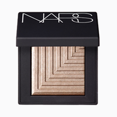 Тени для век NARS Dual-Intensity Eyeshadow в оттенке Sycorax, 2249 руб.. Изображение № 32.
