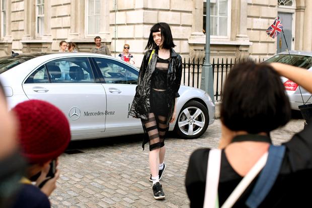 Streetstyle: Неделя моды в Лондоне, часть 1. Изображение № 10.