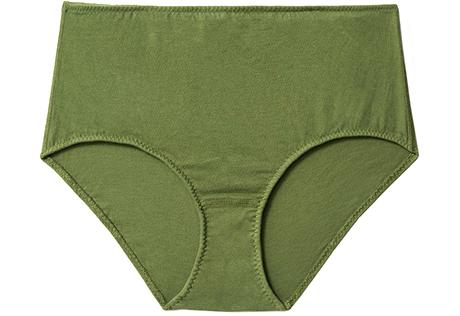 Что класть под ёлку: Нежное базовое бельё для себя и в подарок. Изображение № 5.