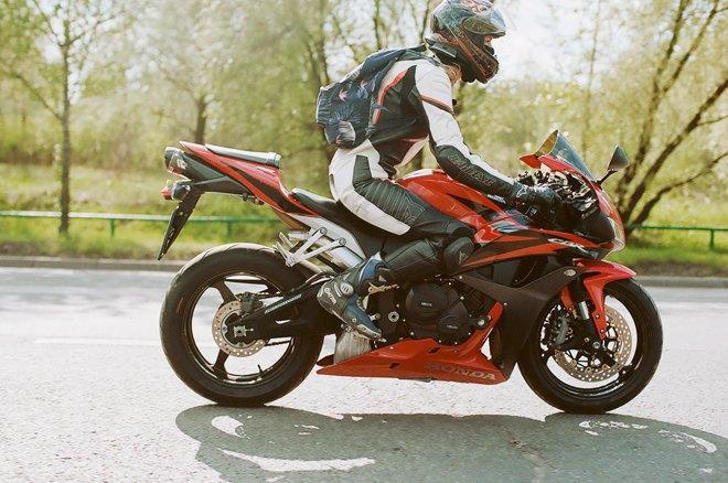 Я и друг мой мотоцикл: Девушки о мотоспорте  и своих байках. Изображение № 13.