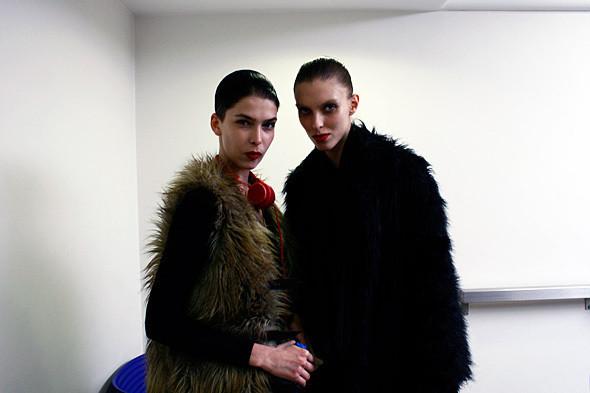 London Fashion Week: показ и бэкстейдж Giles. Изображение № 10.
