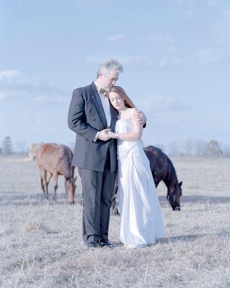 «Бал невинности»:  Дочери дают обет верности отцам. Изображение № 10.