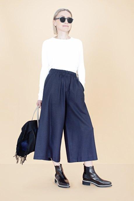Женщины старше 50 примеряют модные образы. Изображение № 17.