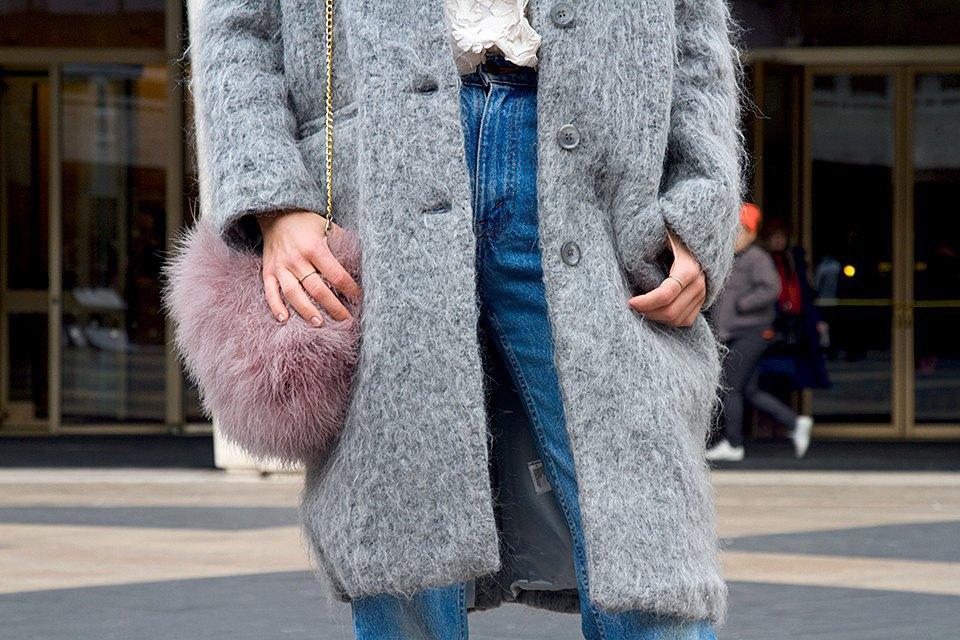 Стритстайл: Что носят на Нью-Йоркской неделе моды. Изображение № 17.
